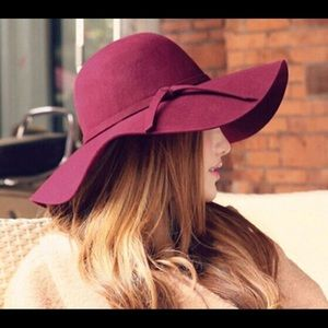 Floppy maroon hat
